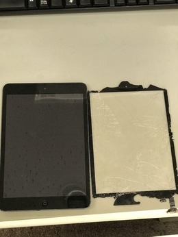 iPadmini1のガラス交換修理承ってます!