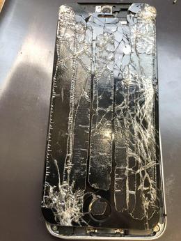 iPhone修理のクイック自由が丘店はクレジットカード利用可能!