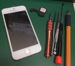 iPhone5s 音が出ない!ラウンドスピーカー交換修理