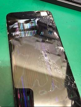 iPhone6Plus 画面破損!液漏れ!