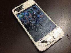 画面割れ-iPhone3.jpg
