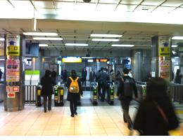 戸塚駅前店への行き方1