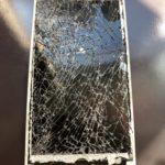 iPhoneは割れても使える!?
