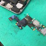 iPhone6のドックコネクタ― 充電するところの修理