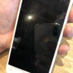 iPhone7 突然画面が真っ暗になって動かなくなってしまった!!