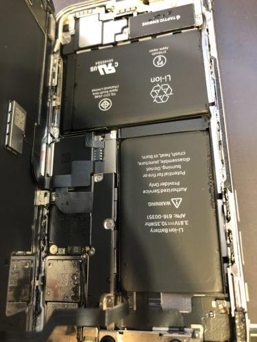 iPhoneの電源が点かない原因