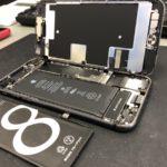 iPhone8 バッテリー交換行いました!!