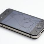 iPhoneの液晶に縦線が入った!修理で直るのか?【クイック中野店】