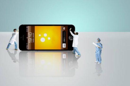 iPhone 画面割れ 対処方法