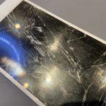 iPhone6の画面割れ修理!