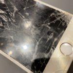 iPhone7 酷い画面割れでもご相談ください!
