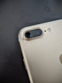 iPhoneカメラレンズカバーの交換