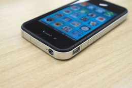まだ現役です!iPhone4s修理!!