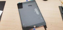 iPad液晶修理も即日対応!!